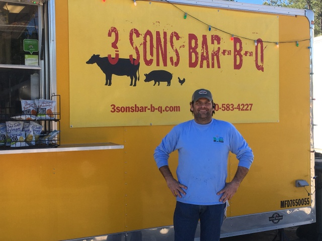 Great to see Chris and eat the best BBQ and sides ever! If you're in the area of Freeport, FL- don't miss it!